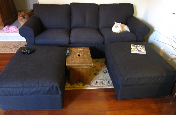 ikea_cotton_couch